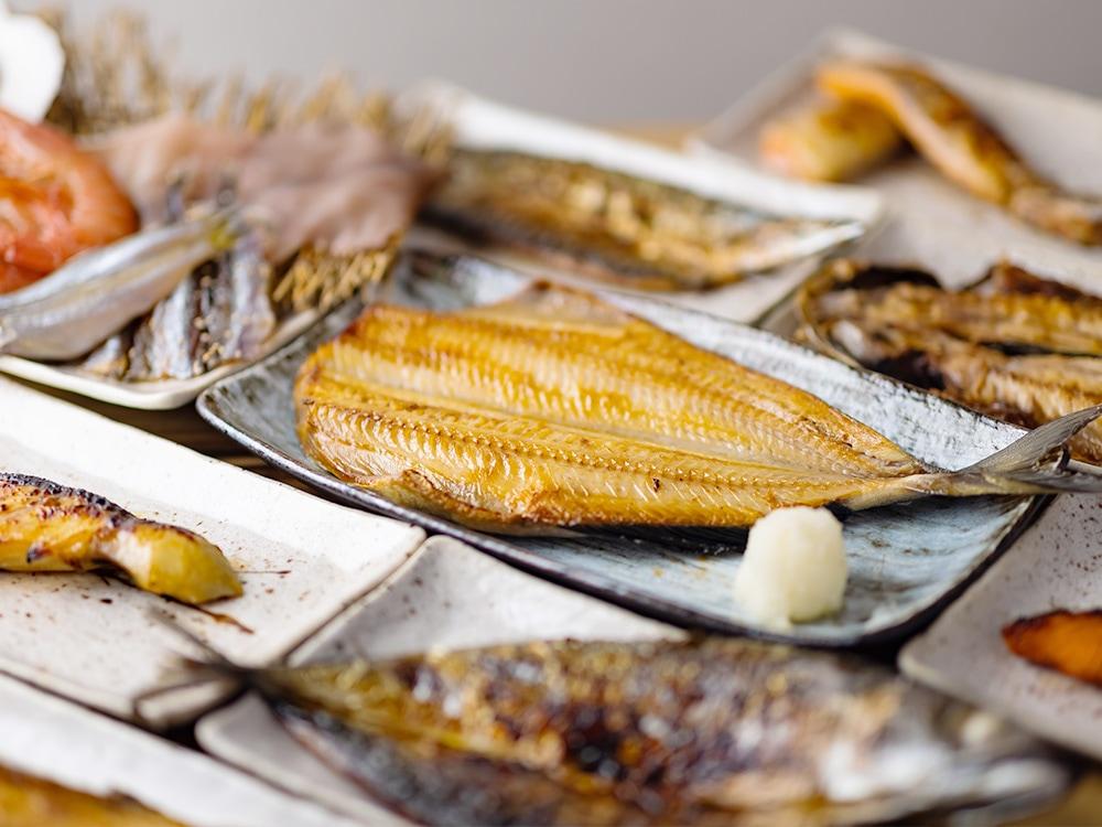 魚真外観写真